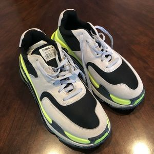 Authantic Brand New Balenciaga Sneaker